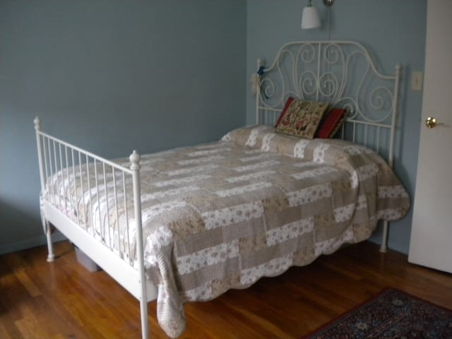 Quiet 'n' Cozy Room w/Private Bath - Spring Valley - Apartamento