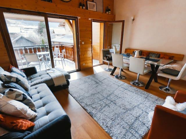 Spacious modern duplex in the Alps