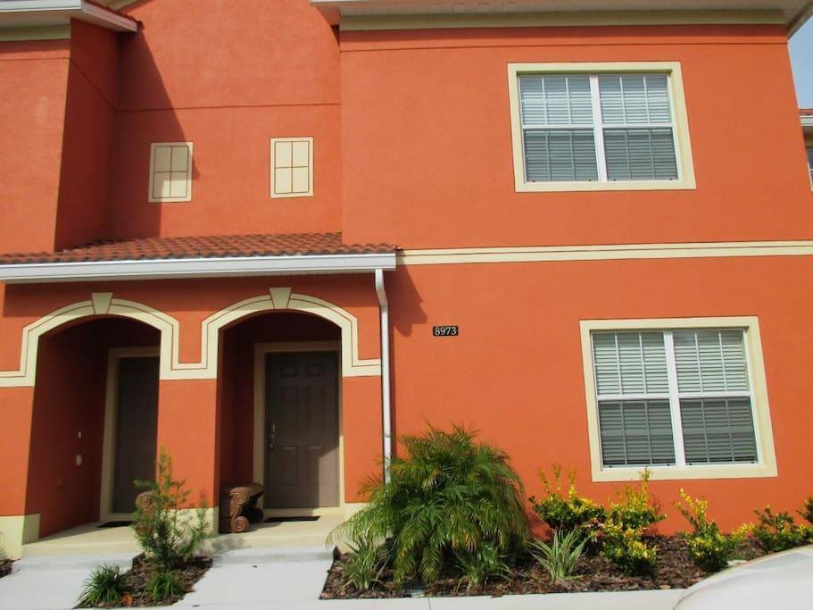 Linda casa em orlando disney paradise palms casas for Casa moderna orlando