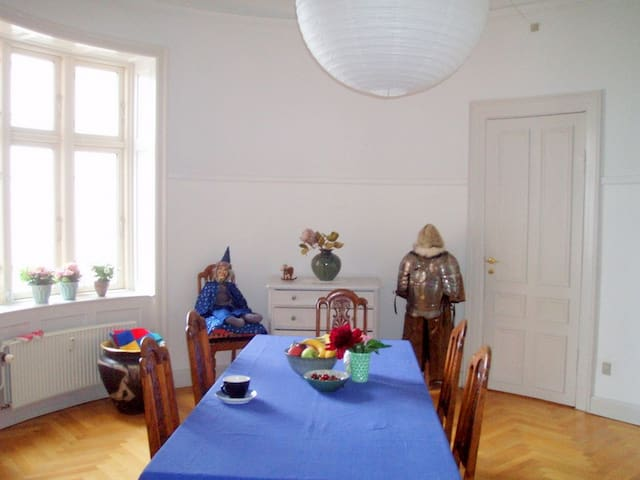 Oldfashioned and charming rooms - Svendborg - Daire