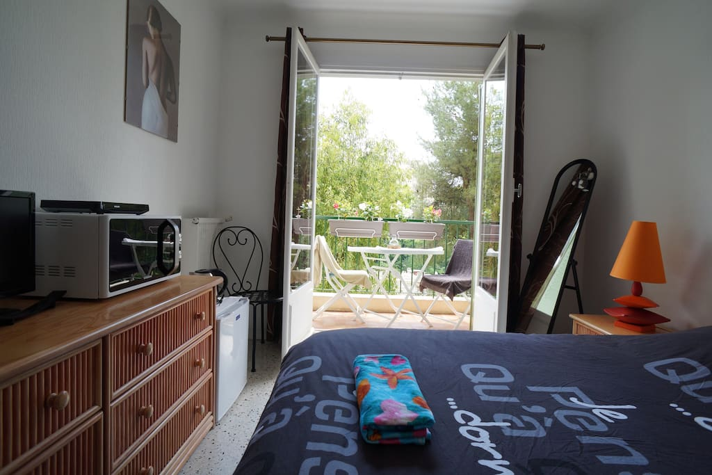 Your private bedroom ... (balcony)