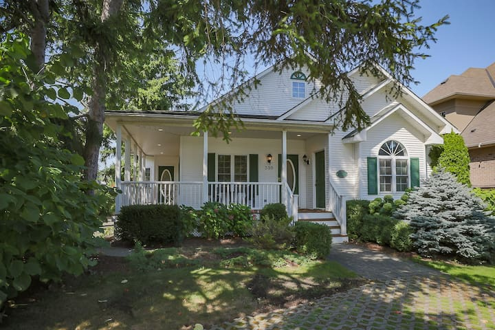 Vintner's Cottage, a charming, friendly retreat