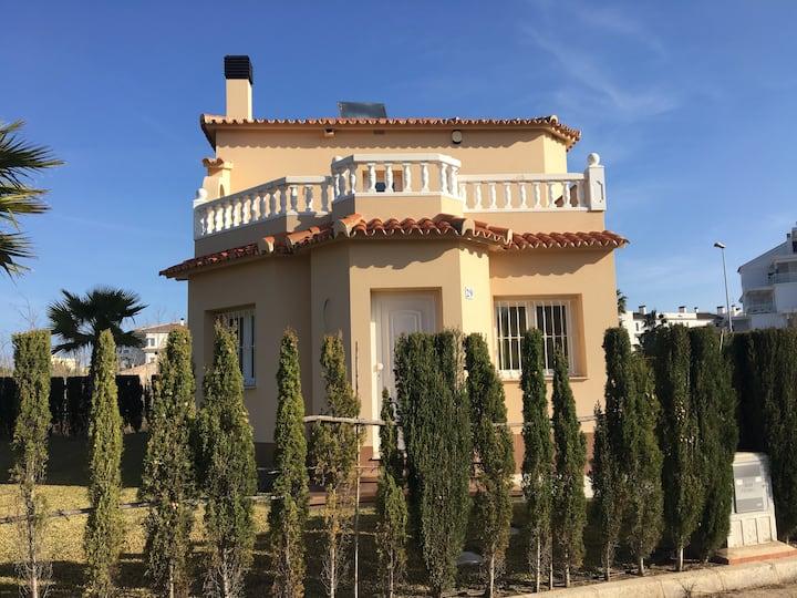 Schöne  Villa in der Nähe vom Strand und MET