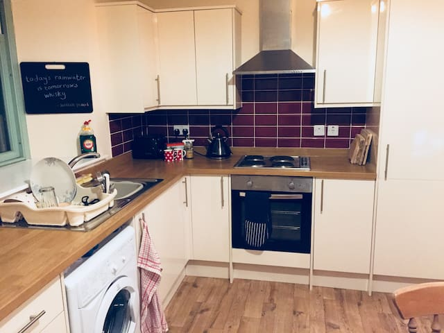 Cosy 1 bed flat in Montrose town centre