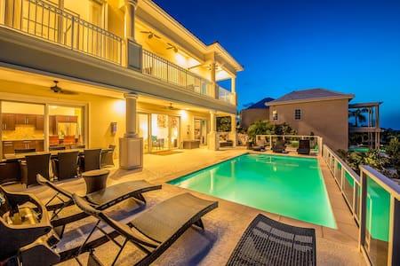 Villa Sunset Close