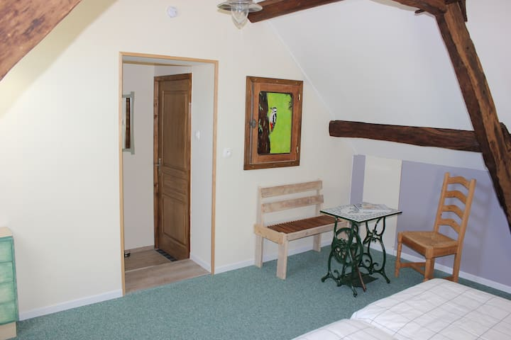 MAISON LE BARRAGE, Chambre de la Litiere - Saint-Gervais-d'Auvergne - Bed & Breakfast