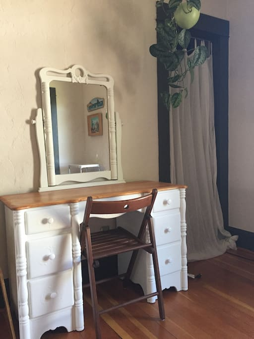 Just refinished this cute little desk/vanity!