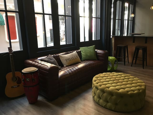 Apple Hostels Philly 18-bed Male Dorm A