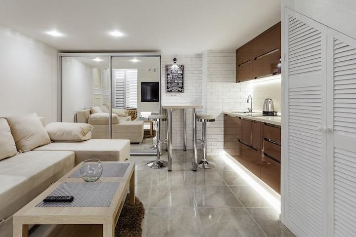 Новая двухуровневая квартира  на Дерибасовской.