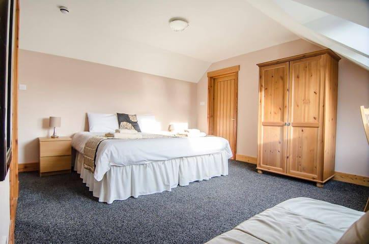 Knoydart Lodge - Private Room Rental 5 (2 people)