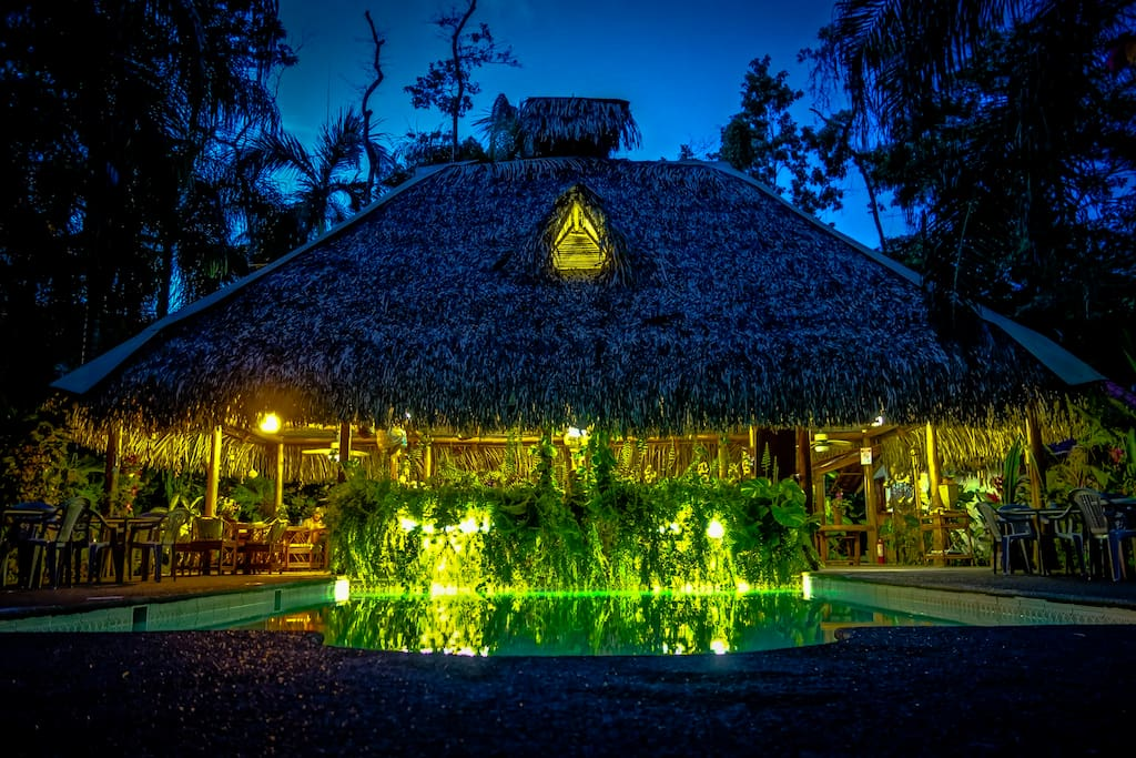 La Palapa by night.