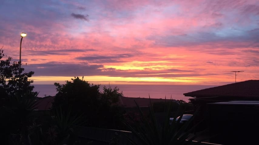Convience with a view - Hallett Cove - Hus