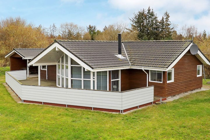 Deluxe Holiday Home in Jutland with beach nearby