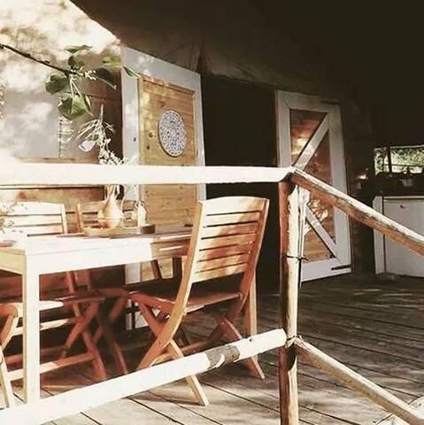 Safari lodge overlooking the Mondego valley.