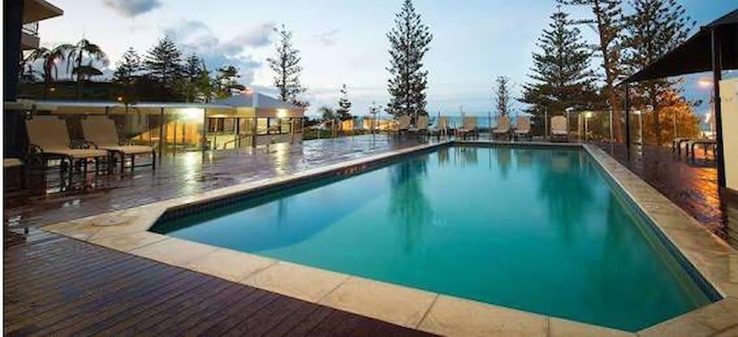 Beach House Resort Coolangatta - Coolangatta - Appartement