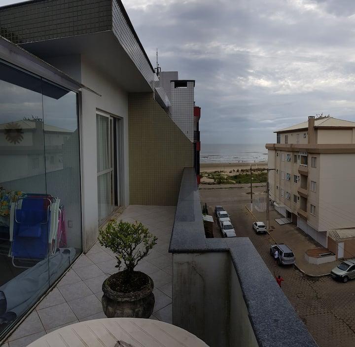 Cobertura com Vista para Praia de Laguna.