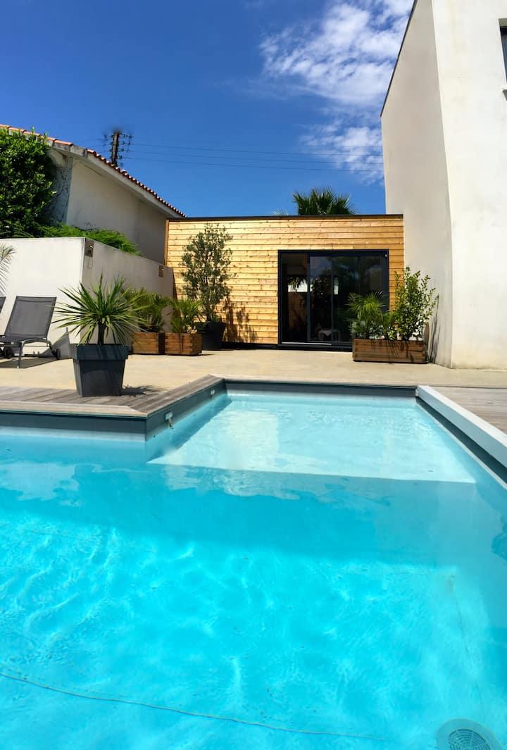 Confortable, lumineux, calme, piscine. 5 mn plages