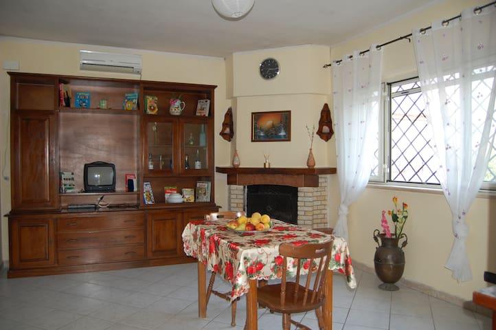 Appartamento  in prossimità del mare - Marina di Ardea - Huoneisto