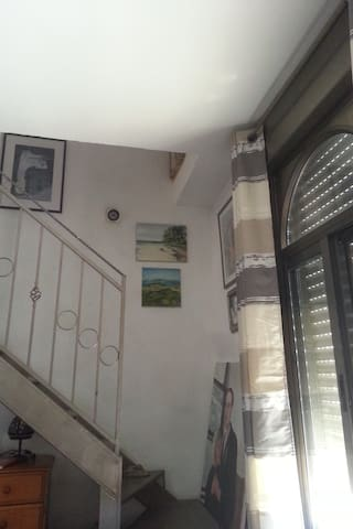 Large renovated house, two floors - jerusalem - House