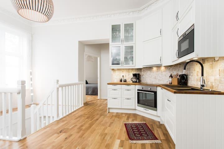 Spacious 110 m2 apartment near The Royal Palace