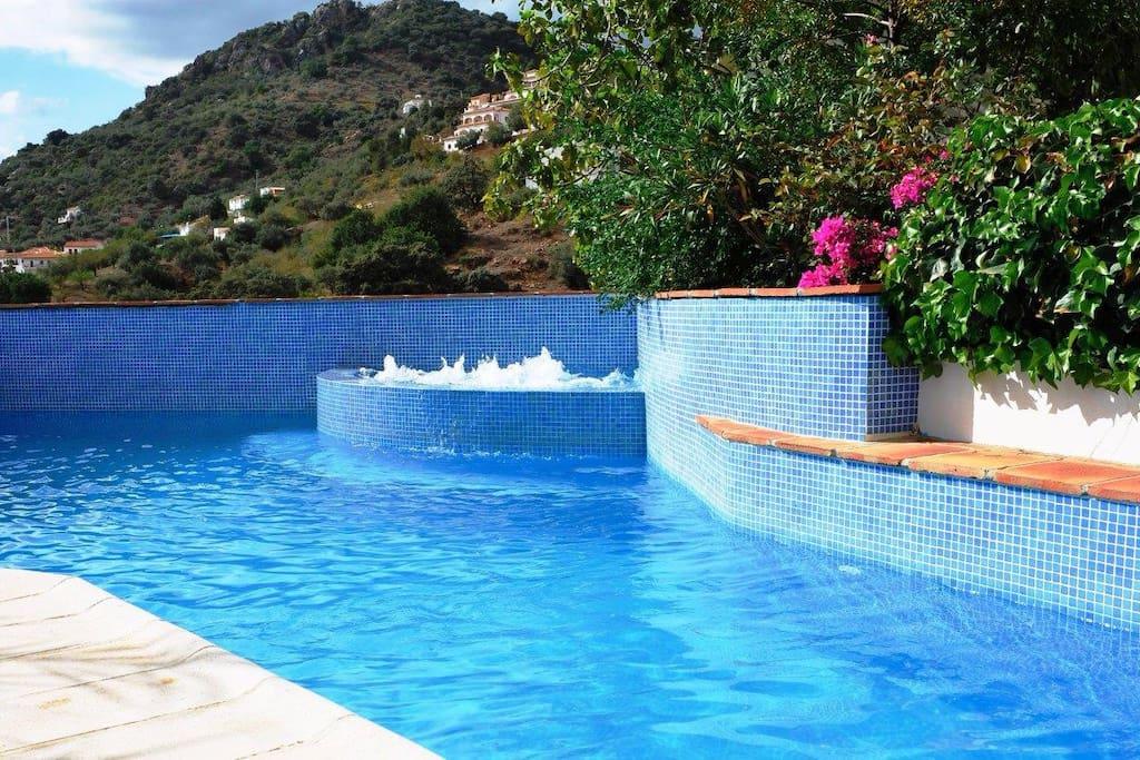 Romantische casita met zwembad whirlpool gastsuites te for Whirlpool elektroger te