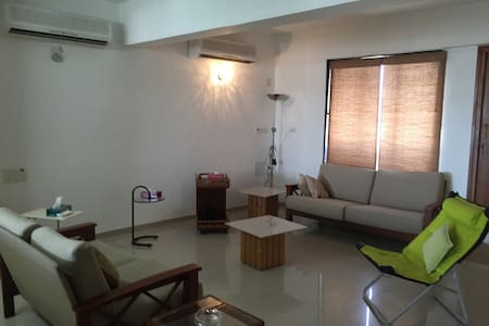 Air conditioned penthouse - Ahmedabad - Apartamento
