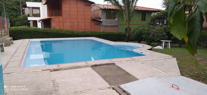 Casa campestre parcelación piscina cerca parque
