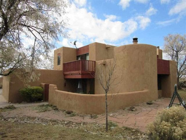 Discount for NM residents!  3BR w/ Mountain Views