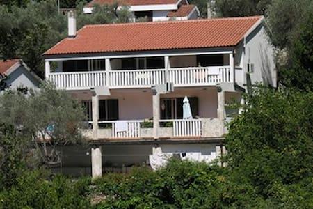 Lux Apartment - Rijeka Reževići