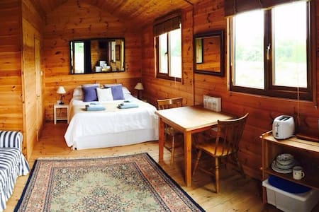 The Cabin at Roscullion, Padstow - Wadebridge