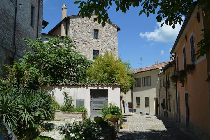 La Casa Rosa. Castello Sassoferrato - Sassoferrato - Dům