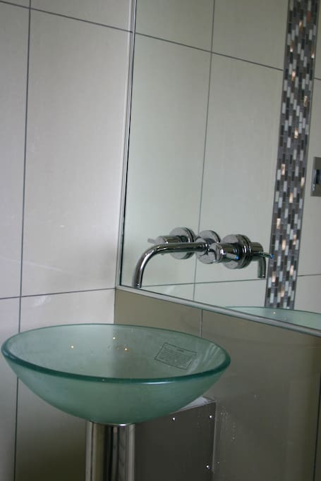 THE ON SUITE WET ROOM