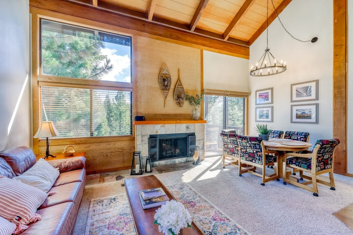 Clean condo w/ a full kitchen & Northstar amenities - close to skiing