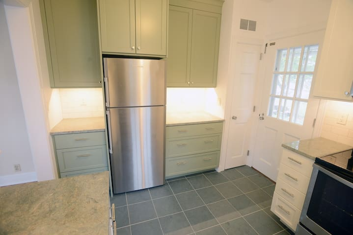 Fully updated downtown home in historic district