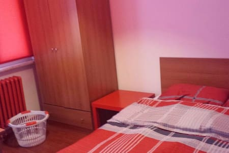Red Affordable Room Att'ed Balcony - İstanbul