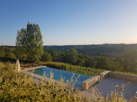 Charming traditional farmhouse with luxury  pool