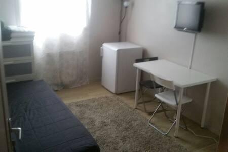 Chambre à louer dans appartement