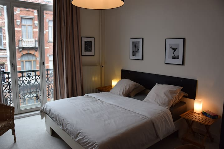 EU neighborhood - Cosy bedroom - Bruxelles - Huis
