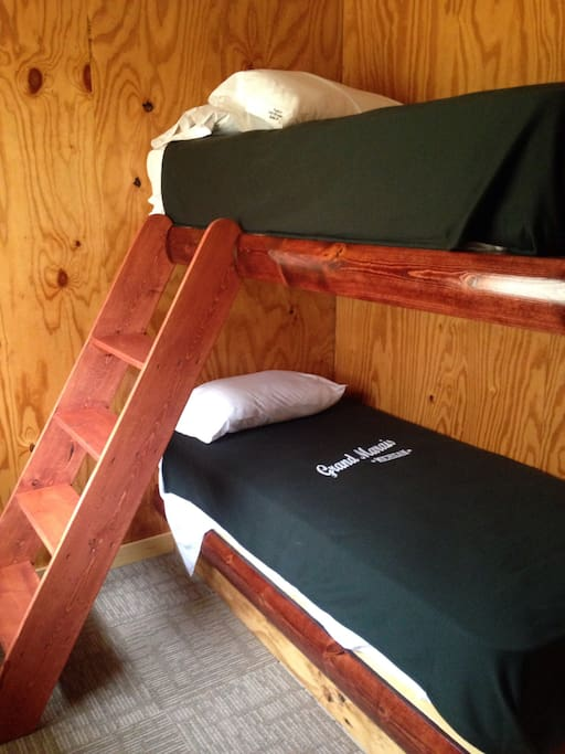 Bunk twin room