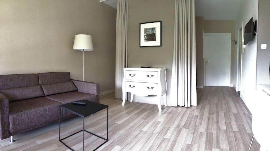 Appartement avec grande piscine