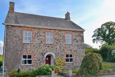 Dunley Farmhouse - Devon