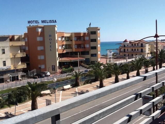 TORRE MELISSA BANDIERA BLU E VERDE - Torre Melissa - Apartment