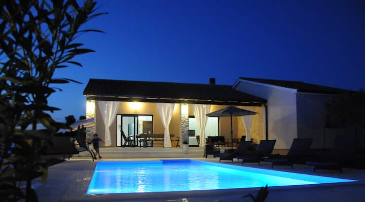 Villa Toni with private pool