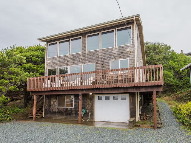 Manzanita Sanctuary With Ocean Views - MC #1185