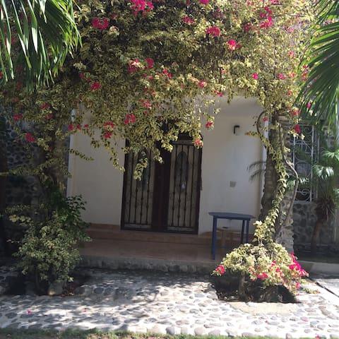 Juvenat Karibé Guest House - Studio