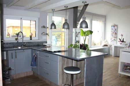 Jolie longère en campagne bretonne - Grâces - House