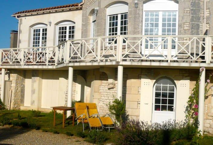 à pic sur l'estuaire de la Gironde - Meschers-sur-Gironde - Wohnung