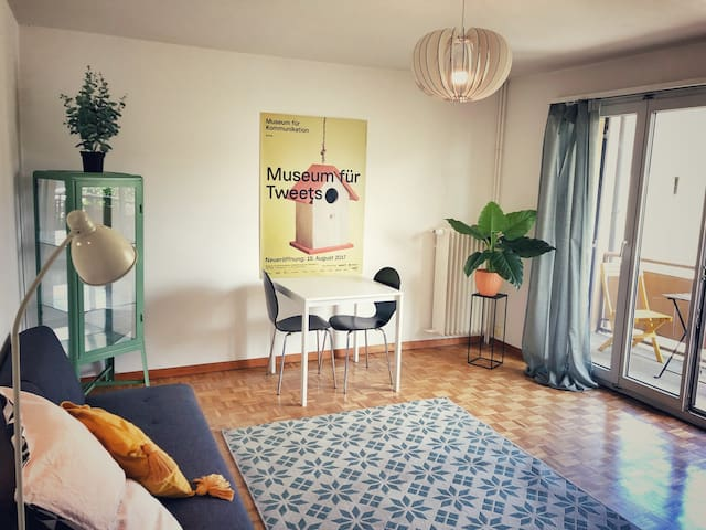 2 rooms flat with balcony perfect for long stays
