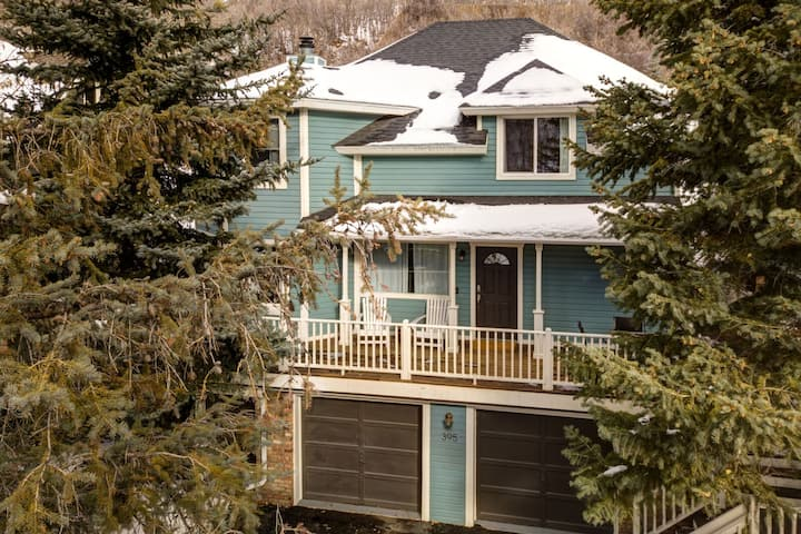 Abode at Loose Moose | Park City Old Town | Perfect Ski Home |Walk to Town Lift*