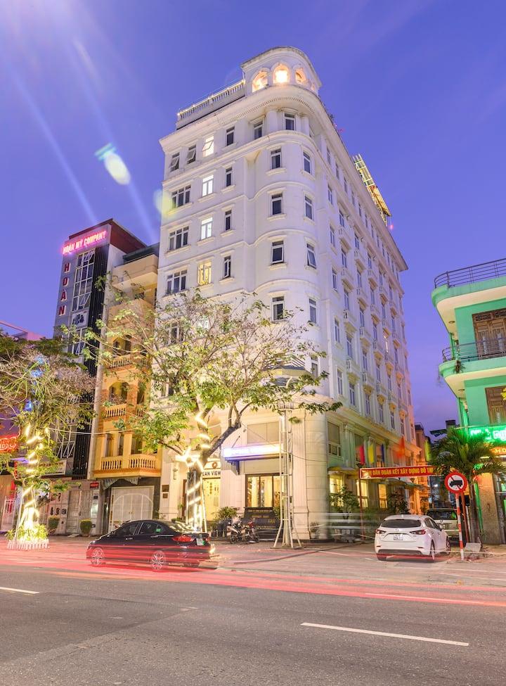 Ocean View Hotel - Khách sạn Đà Nẵng